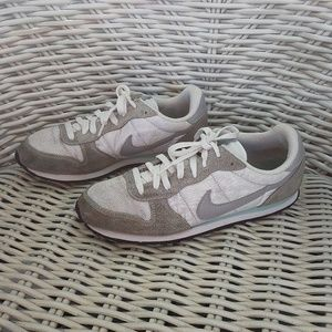 9.5 NIKE Genicco Retro MINT grey white 644451 130